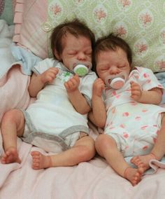 Life like Babies Real Looking Baby Dolls, Life Like Baby Dolls, Life Like Babies, Real Baby Dolls, Realistic Baby Dolls, Cute Babies, Reborn Baby Dolls Twins, Newborn Baby Dolls, Reborn Baby Girl
