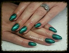 #Gel_Nails #Almond_Shape #Green_Cat_Eyes_Colours