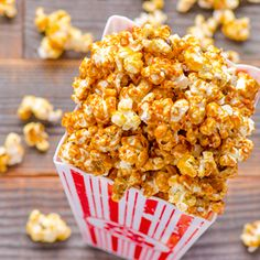 Healthy Caramel Popcorn on http://ifoodreal.com/healthy-caramel-popcorn/