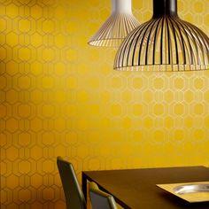 Żółta tapeta z błyszczącym wzorem geometrycznym / Yellow wallpaper with brilliant geometric pattern