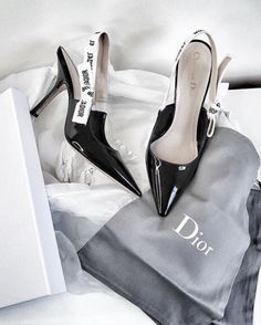 Find images and videos about shoes, heels and dior on We Heart It - the app to get lost in what you love. Dior Shoes, Shoes Heels, Chanel Heels, Stilettos, Cute Shoes, Me Too Shoes, Heeled Boots, Shoe Boots, Dream Shoes