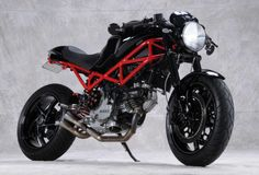 Cafe Racer Special: Ducati Monster 800 Special by Analog Motorcycles Moto Ducati, Ducati Motorcycles, Custom Motorcycles, Custom Bikes, Vintage Motorcycles, Audi, Porsche, Cafe Racers, Bobbers