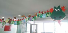 Decoración de Sant Jordi ' 2015 New Year's Crafts, Hobbies And Crafts, Crafts For Kids, Arts And Crafts, Recycling Projects For Kids, Chinese Theme, Chinese New Year Crafts, Third Birthday, Elementary Art