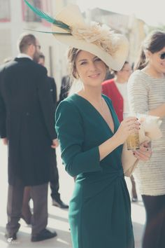 Love the turquoise & tan Derby Outfits, Wedding Guest Looks, Fancy Hats, Outfit Trends, Chic Wedding, Wedding Dress, Party Fashion, Dress Codes, Dress To Impress