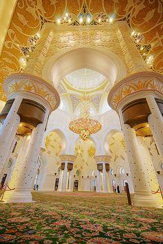 Interior Mezquita de Abu Dhabi