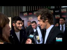 """One Direction Talk VMAs & Beatles Comparisons on """"This Is Us"""" Red Carpet << Loved the end whenever Niall and Lou started """"walking downstairs"""" xD One Direction Youtube, One Direction Videos, One Direction Pictures, Miss You Already, Top Of The World, Alexa Chung, Mom And Dad, Love Of My Life, The Beatles"""