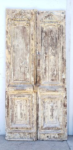 Carved Painted Wooden Doors Dimensions are High x Wide x Thick Woodworking Epoxy Resin, Woodworking Pipe Clamps, Woodworking Tools For Sale, Rockler Woodworking, Woodworking Classes, Old Wooden Doors, Wooden Room, Old Doors, Barn Doors