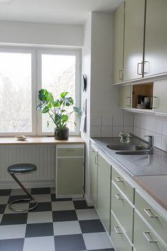 Kitchen Dinning, Dining, Garage Apartments, Interior Design Inspiration, Kitchen Organization, Kitchen Interior, Sweet Home, Kitchen Cabinets, Flooring