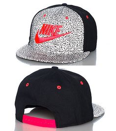 926d416b827a9f NIKE Reflective paneling snapback cap Adjustable strap on back of hat for  ultimate comfort Embroidered NIKE