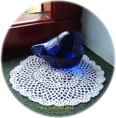 A doily that can be worked in either No 10 crochet cotton with a 1.5 mm hook to give a finished size of 7½-inch/19 cm diameter approx or if worked with No 70 tatting thread or No 80 crochet cotton and a 0.75 mm hook the finished diameter will be 4-inches/10 cm diameter approx.