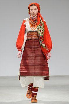 український народний костюм · Фото та Відео    Ukrainian Fashion Week  Україна 276ea14fede98