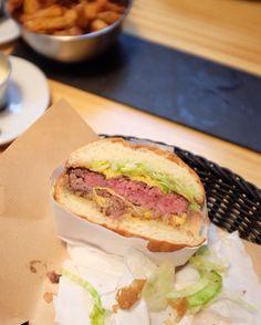 L'aventure de @franceburger à Biarritz c'est fini  On continue notre quête très bientôt à la recherche du #meilleurburgerdefrance & n'hésitez pas à nous partager vos spots à tester  Thks @idtgv for your support #fastandfood #hamburger #idtgv #foodporn #franceburger #burger