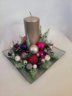 Christmas Flower Decorations, Christmas Flower Arrangements, Christmas Swags, Christmas Flowers, Christmas Centerpieces, Christmas Ornaments, Burlap Christmas, Primitive Christmas, Country Christmas