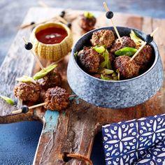 Thaise gehaktballetjes Thai Recipes, Fish Recipes, Asian Recipes, Dinner Recipes, Tapas, Tasty Thai, Authentic Chinese Recipes, Deli Food, Asian Cooking