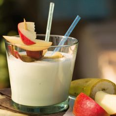 Glass Of Milk, Panna Cotta, Drinks, Ethnic Recipes, Food, Home, Avocado Smoothie, Apple Smoothies, Guava Fruit