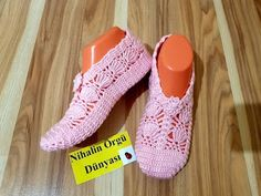 Lace up Shoes 635289091160416963 Crochet Shoes, Crochet Slippers, Crochet Baby Poncho, Crochet Top, Sock Shoes, Baby Shoes, Crochet Accessories, Baby Patterns, Lace Up Shoes