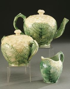 Etruscan Majolica. Teapot, sugar and creamer. Drool.....