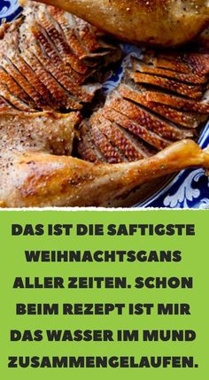 Schon beim Rezept ist mir das… This is the juiciest Christmas goose ever. Already at the recipe, the water in my mouth has come together. Meat Recipes, Dinner Recipes, Meat Steak, How To Cook Beef, Good Food, Yummy Food, Best Meat, Cooking Time, Carne