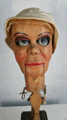 Early Ventriloquist Doll Head with Moving Eyes, Eyebrows, and Mouth Antique Toys, Vintage Toys, Moving Dolls, Ventriloquist Puppets, Moving Eyes, Punch And Judy, Marionette Puppet, Victorian Life, Mystery Of History