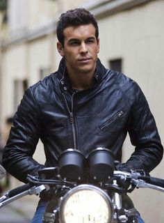 Photo gallery of Mario Casas, last update Collection with 175 high quality pics. Gorgeous Men, Beautiful People, Beautiful Things, Hot Guys, Hommes Sexy, Man Crush, Handsome Boys, Celebrity Crush, Bad Boys