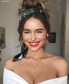 Best Fashion Moments of Emilia Clarke – Celebrities Woman Emilia Clarke Hot, Emelia Clarke, Pretty People, Beautiful People, Mi Long, Celebs, Celebrities, Woman Crush, Beautiful Actresses