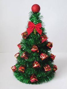 Re siba Bediciones . Unique Christmas Trees, Christmas Art, Christmas Projects, Christmas Holidays, Christmas Wreaths, Christmas Ornaments, Candy Crafts, Diy And Crafts, Christmas Crafts