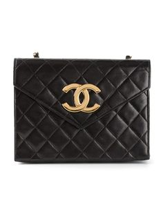 CHANEL VINTAGE quilted cross body bag