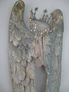 Angel wings and crown I love this so much! This would be so beautiful affixed to a massive shabby chic headboard! D N Angel, Angel Art, Vintage Accessoires, I Believe In Angels, Simply Beautiful, Beautiful Things, Shabby Chic, Shabby Vintage, Crafty