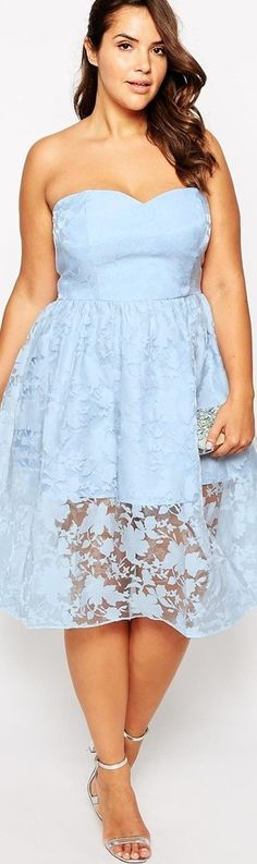 lace - http://www.boomerinas.com/2015/03/13/lace-is-still-hot-modern-ways-to-wear-lace-for-spring-summer-2015/