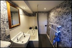 parliament house in devon Houses Of Parliament, Clawfoot Bathtub, Corner Bathtub, Devon, Property For Sale, Cottage, Bedroom, Google Search, Clawfoot Tub Shower