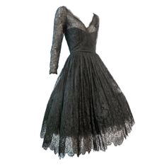 on bklyncontessa :: via torso vintages : oscar de la renta chantilly lace cocktail dress