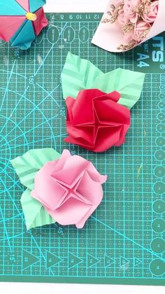 Cool Paper Crafts, Paper Crafts Origami, Diy Origami, Origami Tutorial, Diy Crafts For Kids, Clay Crafts, Diy Paper, Origami Birthday Card, Diy Best Friend Gifts