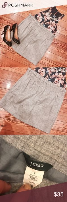 """J Crew Pleated Waist Skirt Gorgeous like new J Crew gray skirt. This is listed as size 0 but fits more like a 2. The waist is stretchy and is very lightweight and looks gorgeous on. W-32"""" L-16"""" I do bundle discounts and accept all reasonable offers! J. Crew Skirts"""