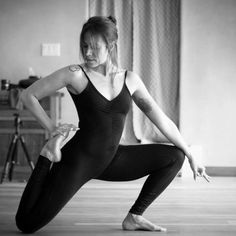 This vigorous style of yoga consists of a continuous series of postures which are linked together with fluid connecting movements (vinyasa) combined with mindfulness training. The practice is synchronized with careful attention to breathing to build internal heat. Mindfulness Training, Sporty, Yoga, Beauty, Style, Fashion, Beleza, Moda, La Mode