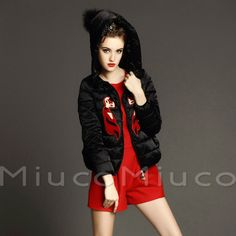 Europe Station Womens Little Fox Embroidery Hooded Short Down Coat Parka