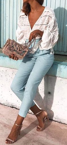 #summer #outfits longsleeve v neck blouse + jeans
