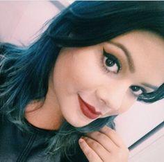 A @maricoliveiraa, do beauty Team da NYX Maceió, apostou no clássico cat eyes/Red Lips usando o lápis Slim Pencil for Lips Cabaret e delineador Liquid Black Liner