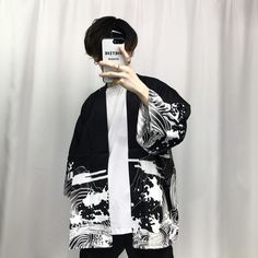 2018 summer mens kimono japanese clothes streetwear casual kimonos jackets harajuku japan style cardigan outwear - Source by hannatrutschel clothes fashion male Harajuku Mode, Estilo Harajuku, Harajuku Fashion, Harajuku Japan, Harajuku Style, Fashion Mode, Japan Fashion, Look Fashion, Korean Fashion