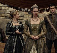 Tudor Fashion, Reign Fashion, Moda Medieval, Medieval Dress, Mary Stuart, Isabel Tudor, Adelaine Kane, Reign Tv Show, Reign Mary