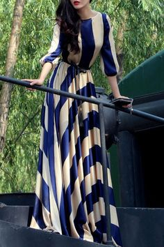 Striped Scoop Neck 3/4 Sleeve Maxi Dress