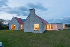 How Do You Get Floor Plans for Your House Beautiful House Tax Plan Farmhouse Architecture, Modern Farmhouse Exterior, Cottage Style Homes, Cottage House Plans, House Designs Ireland, Modern Barn House, Modern Cottage, Cottage Extension, Long House