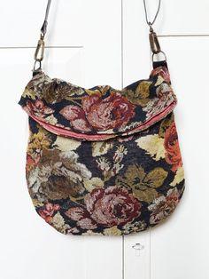 Bolso mediano  Tela de Cortina a flores  2 por bagswithhistory, $59.00