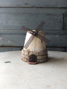 Diy Cement Planters, Concrete Pots, Ceramic Planters, Flower Pot Crafts, Clay Pot Crafts, Flower Pots, Mini Vasos, Cement Art, Diy Ice Cream