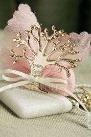 Μένη Ρογκότη - Μπομπονιέρα γάμου βότσαλο με δέντρο ζωής και χαραγμένες ευχές Diy Wedding, Gift Wrapping, Gifts, Handmade Crafts, Gift Wrapping Paper, Presents, Wrapping Gifts, Gift Packaging, Gifs