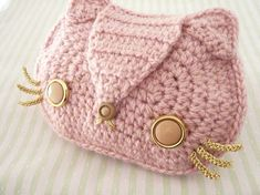 Simple Change Purse in Cotton  - change the colour to white and you could also make this to look like Hello Kitty     :)
