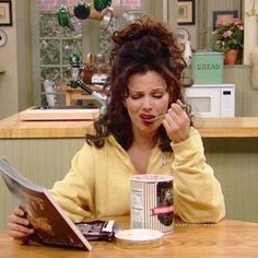 cecream and magazine, it's our perfect monday night ✨ The Nanny, Nicholle Tom, Fran Fine Outfits, Miss Fine, Images Lindas, Nanny Outfit, Fran Drescher, Cult, Mood Pics
