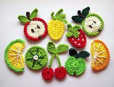Artículos similares a 12 pcs of Crochet Fruit Appliques en Etsy Stitch Crochet, Crochet Wool, Crochet Gifts, Crochet Motif, Crochet Flowers, Crochet Appliques, Crochet Apple, Diy Flowers, Fruits En Crochet