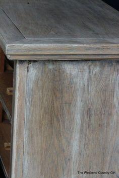 Wenn Sie nach einem großartigen gealterten Holz-Look suchen, ist es schwer, die tatsächliche Sal ..., #artigen #einem #gealterten #schwer #suchen #tatsachliche Chalk Paint Furniture, Dining Furniture, Furniture Projects, Rustic Furniture, Furniture Makeover, Furniture Hardware, Furniture Removal, Cheap Furniture, Luxury Furniture