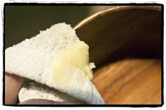 beeswax polish : 2 tbsp beeswax, 6-8 tbsp olive oil, 6-10 drops lemon essential oil