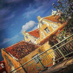 https://flic.kr/p/D5s718   #relivingthemoments:  Huize Sebastopol, one of my favorite buildings of my Hometown  (Otrobanda,2015)  #Otrobanda,#Willemstad,#Curaçao,#2015,#2016   (By: K.J.V.W 2015-2016)
